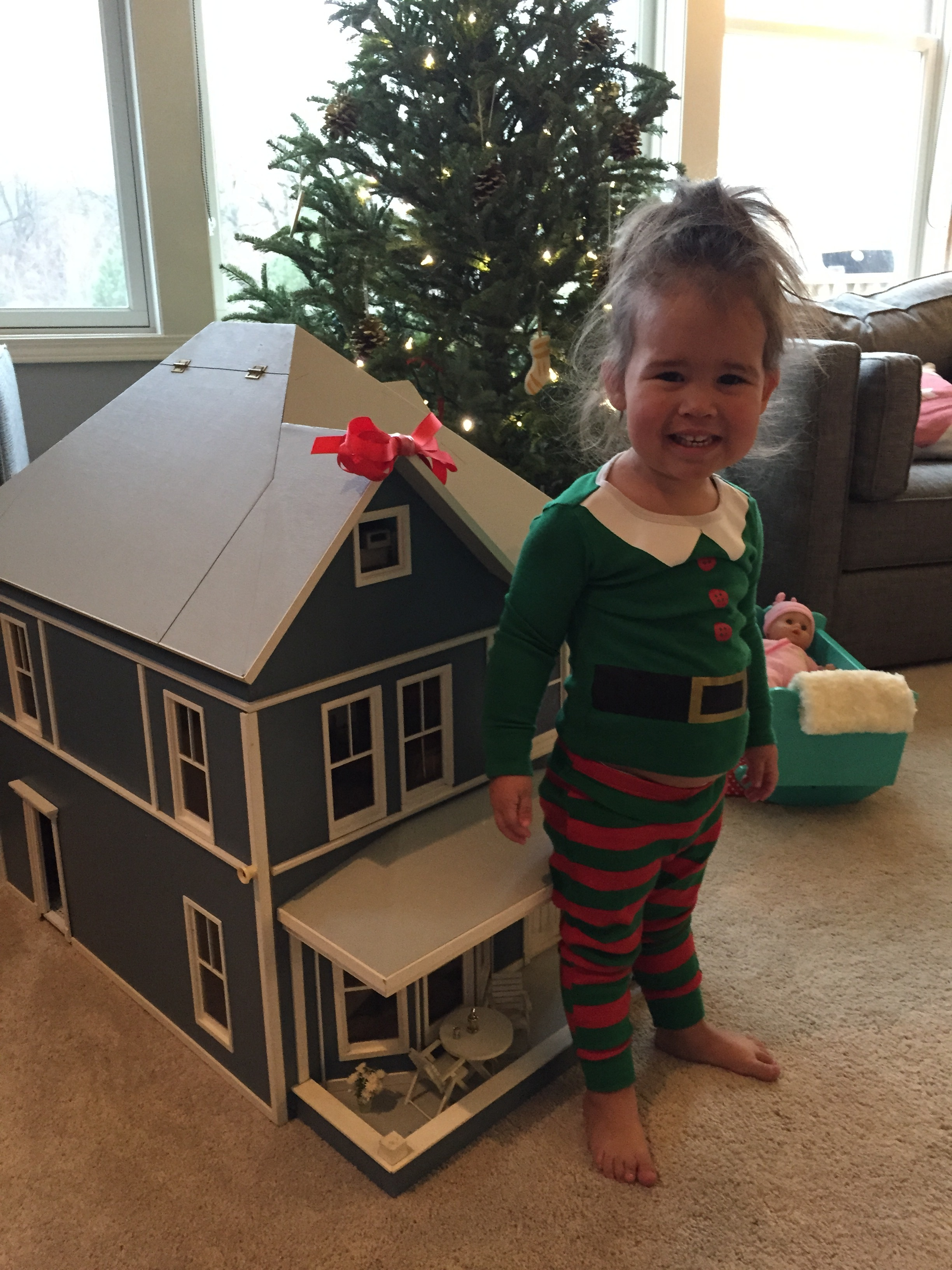 Emmy's new dollhouse, that used to be mine, but she doesn't need to know that. ;)